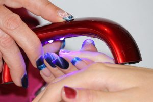 Żelowe paznokcie zrobisz nawet w domu